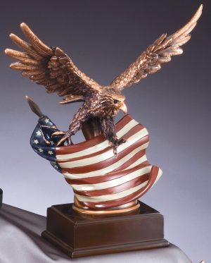 Eagle Statue With American Flag RFB138